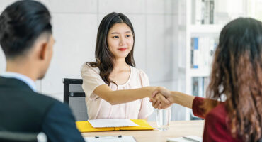 4 Body Language Tips To Help You Nail That Interview!